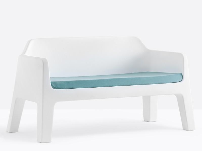plus divano con cuscino